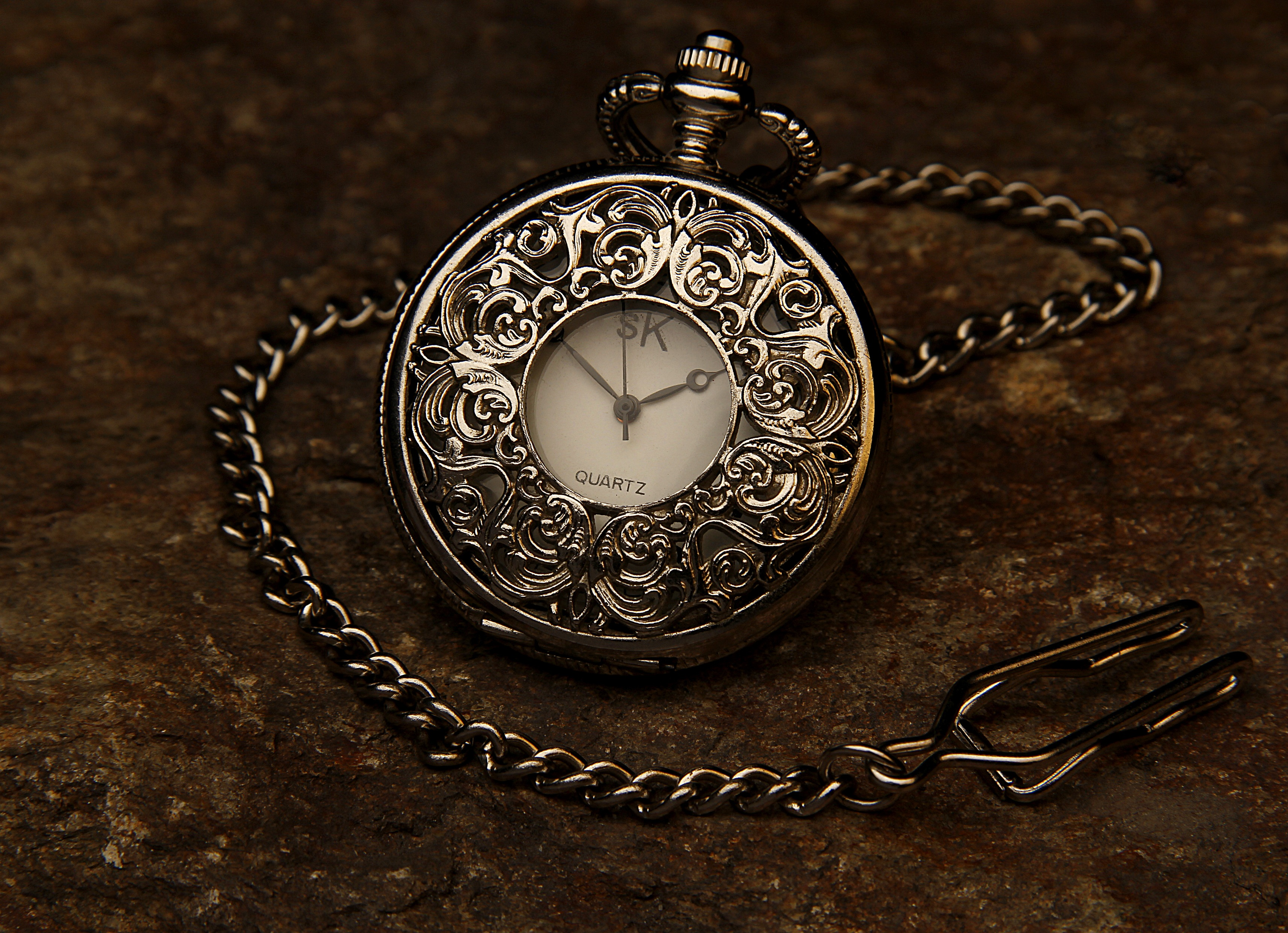 pocket-watch-560937
